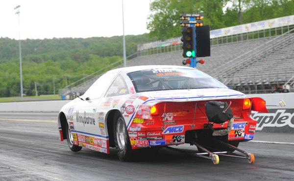 Scotty Richardson driving  Vinny Barone's Chevy D/EA is #1 by a ton with a -0.767 8.013