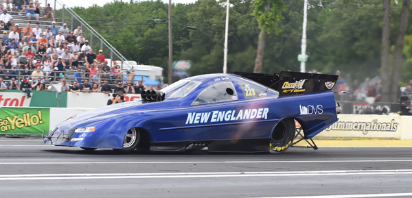 The Paul Smith team was flying the old NED New Englander logo during Saturday's qualifying. There were 17 cars trying to get into the 16 car show and driver Mike Smith did not make the cut with a best of 6.275