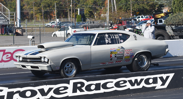Jeff Thornton driving his Super Street Chevelle had the worse weekend of his racing career tagging the left and then the right wall during R2 totaling his Chevy in the process
