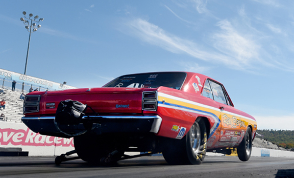Hemi Guru David Barton, driving the Jim Daniels Cuda, was expected to go rounds at the Dutchafter qualifying #1 with an 8.324 but went out in R2 after spinning the tires agains Wolkwitz
