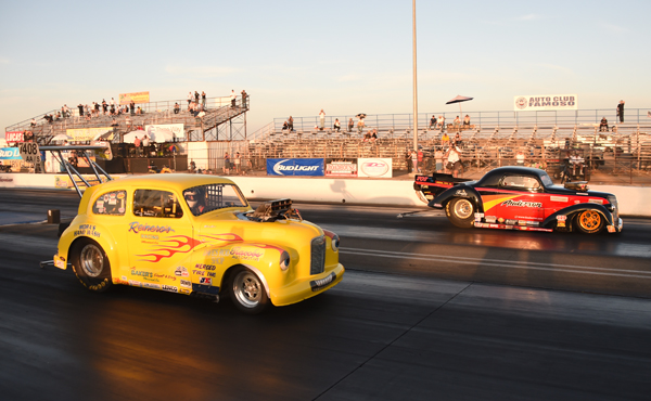 Howard Anderson (far lane) had the baddest blown gasser on the property