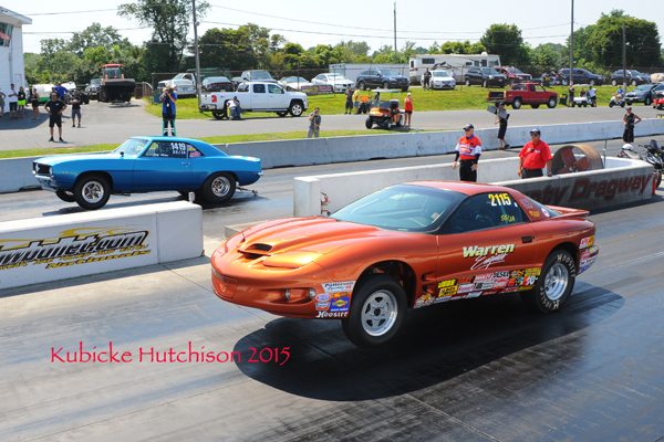 One of the best finals of the day had a no breakout heads up run against the SS/JA cars of Warren (near lane) and Moher